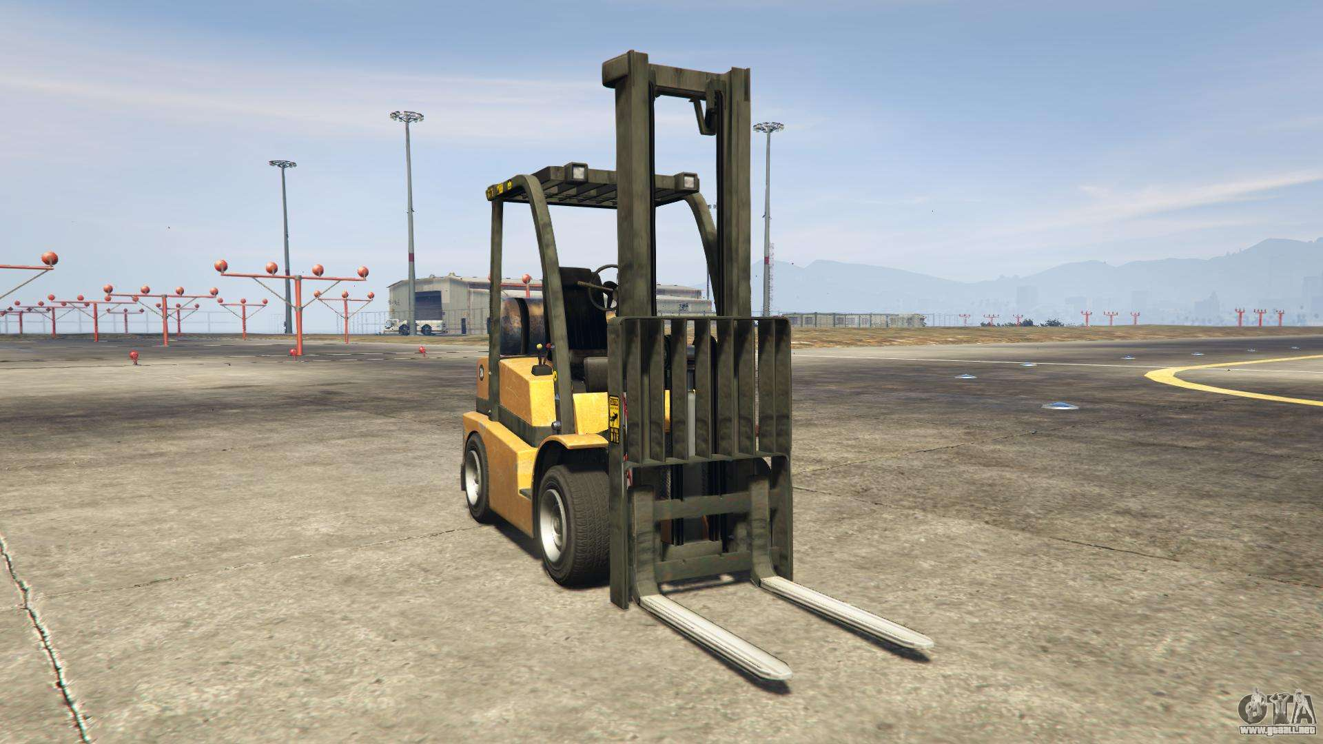 GTA 5 HVY Forklift - vista frontal