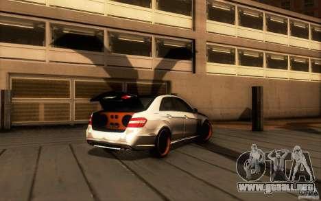 Mercedes Benz E63 DUB para GTA San Andreas vista hacia atrás