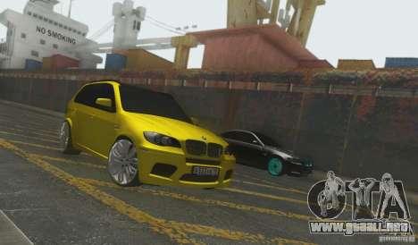 BMW X5M Gold Smotra v2.0 para GTA San Andreas vista posterior izquierda