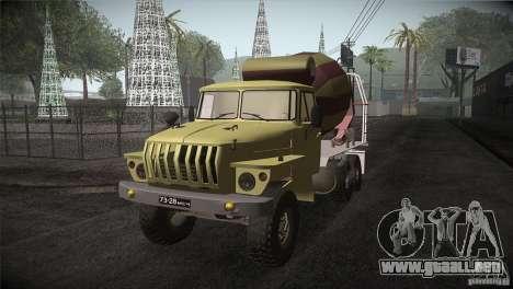 Ural 4320 hormigonera para GTA San Andreas