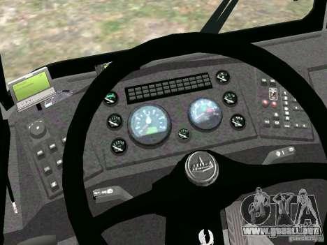 MAZ 5295 v2.0 final para GTA 4 vista hacia atrás