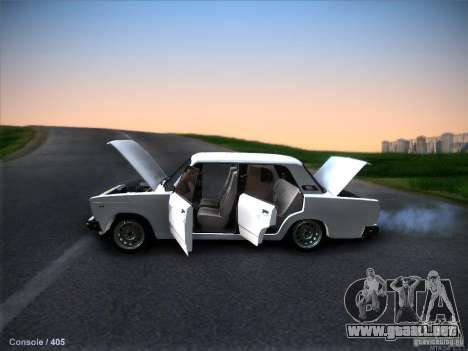 Vaz 2105 stock calidad para GTA San Andreas vista hacia atrás