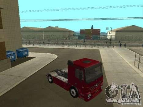 Mercedes Actros Tracteur 3241 para GTA San Andreas vista hacia atrás
