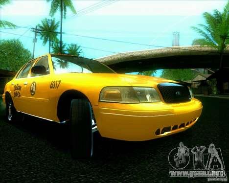 Ford Crown Victoria 2003 TAXI para GTA San Andreas left