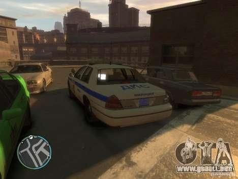 Policía de Ford Crown Victoria para GTA 4 Vista posterior izquierda