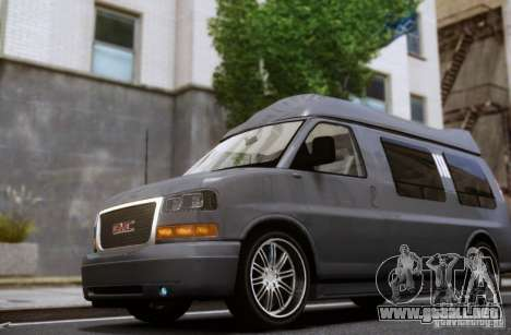GMC Savana para GTA 4 vista lateral