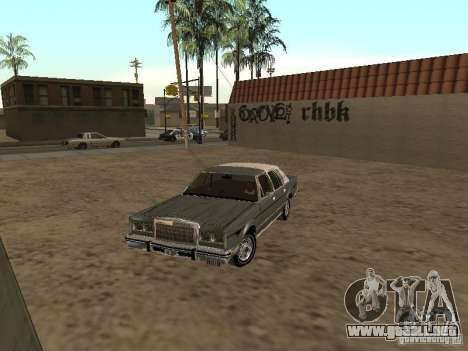 Lincoln Town Car 1986 para GTA San Andreas left