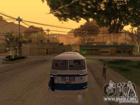 LAZ 695 m para visión interna GTA San Andreas