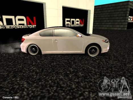 Toyota Scion para GTA San Andreas left