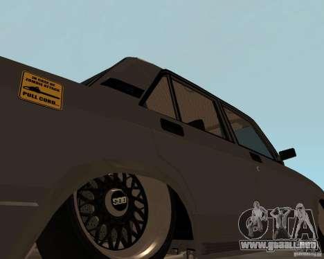 VAZ 2107 JDM para GTA San Andreas vista posterior izquierda