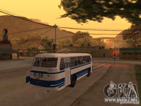 LAZ 695 m para la visión correcta GTA San Andreas