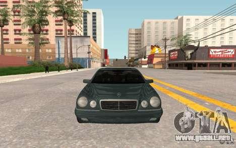 Mercedes Benz E420 W210 para GTA San Andreas left