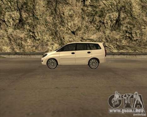 Toyota Innova para GTA San Andreas left