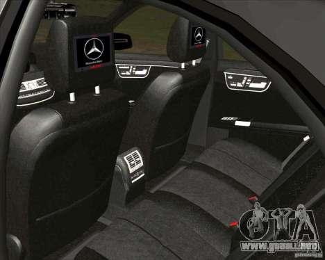 Mercedes-Benz S65 AMG W221 para GTA San Andreas vista hacia atrás