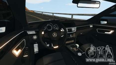 Mercedes-Benz E63 AMG 2010 para GTA 4 vista hacia atrás