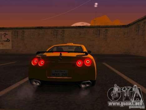 Nissan GT-R SpecV Black Revel para la visión correcta GTA San Andreas