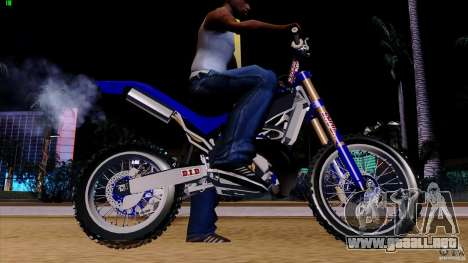 Honda CR 250 Stunt para GTA San Andreas left