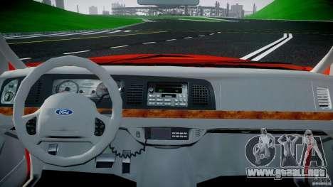 Ford Crown Victoria 2003 v.2 Taxi para GTA 4 visión correcta