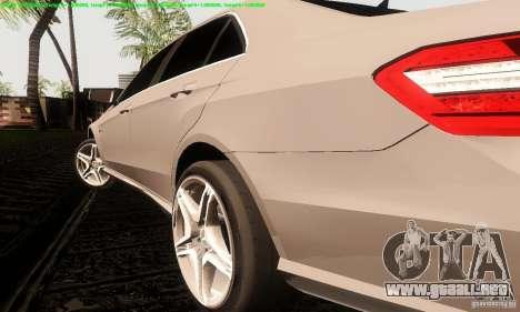 Mercedes-Benz E63 AMG 2010 para la visión correcta GTA San Andreas
