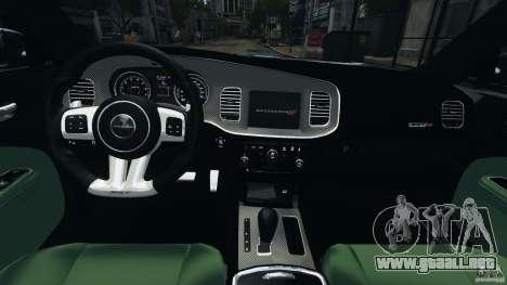Dodge Charger SRT8 2012 v2.0 para GTA 4 vista hacia atrás
