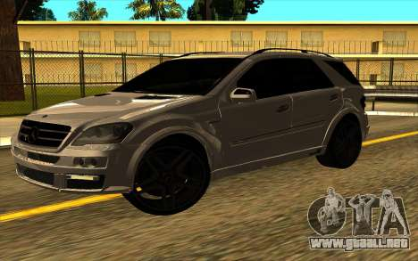 Mercedes-Benz ML63 AMG W165 Brabus para la visión correcta GTA San Andreas