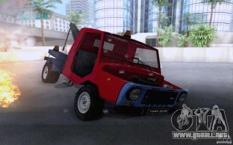 LuAZ 13021 grúa para vista lateral GTA San Andreas