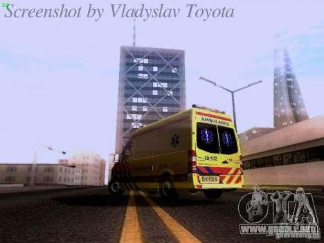 Mercedes-Benz Sprinter Ambulance para GTA San Andreas vista posterior izquierda