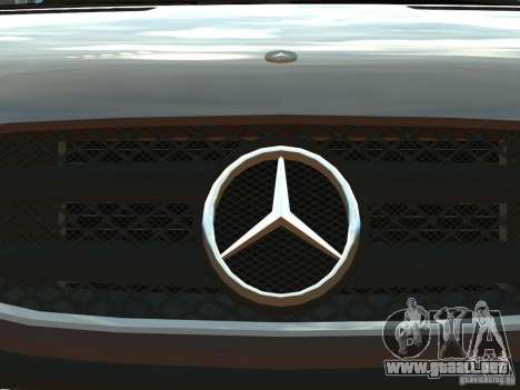Mercedes-Benz Sprinter 2500 para GTA 4 vista lateral