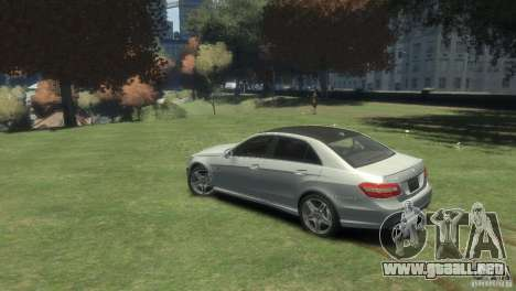 Mercedes Benz E63 AMG v2.0 para GTA 4 left