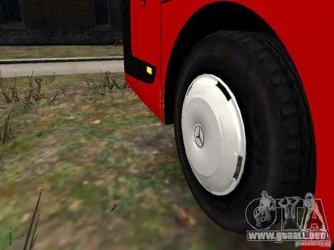 Mercedes Travego para GTA 4 vista desde abajo