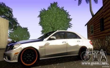 Mercedes Benz E63 DUB para GTA San Andreas left