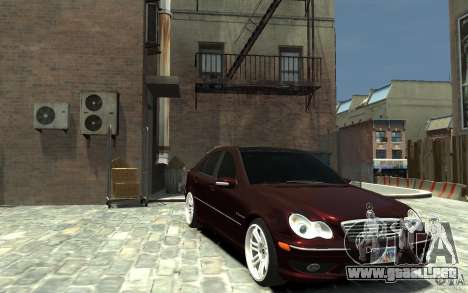 Mercedes-Benz C32 AMG Light Tuning para GTA 4 vista hacia atrás