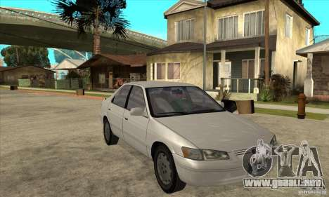 Toyota Camry 2.2 LE 1997 para GTA San Andreas vista hacia atrás
