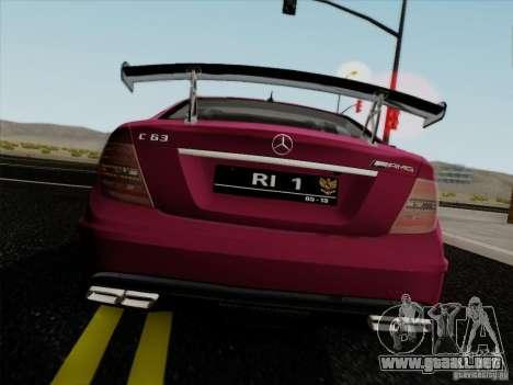 Mercedes Benz C63 AMG Coupe Presiden Indonesia para GTA San Andreas vista posterior izquierda