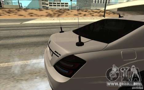 Mercedes-Benz S65 AMG con luces intermitentes para GTA San Andreas left