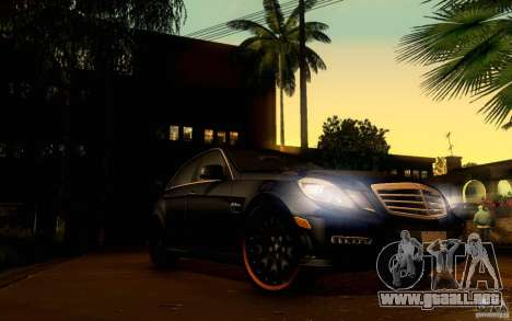 Mercedes Benz E63 DUB para vista inferior GTA San Andreas