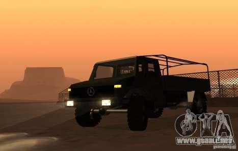 Mercedes-Benz Unimog para GTA San Andreas vista posterior izquierda