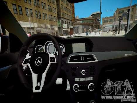 Mercedes-Benz C63 AMG Black Series 2012 v1.0 para GTA 4 vista hacia atrás