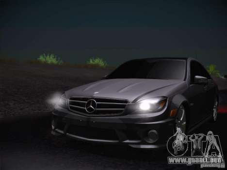 Mercedes-Benz S63 AMG para GTA San Andreas vista hacia atrás