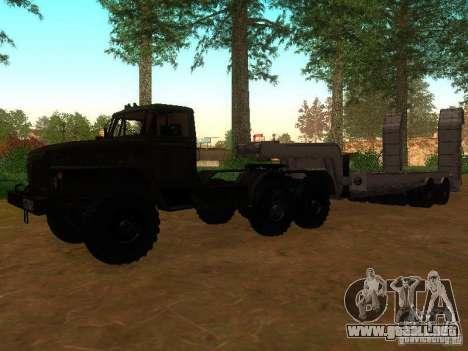 Ural-4420 tractor para GTA San Andreas left