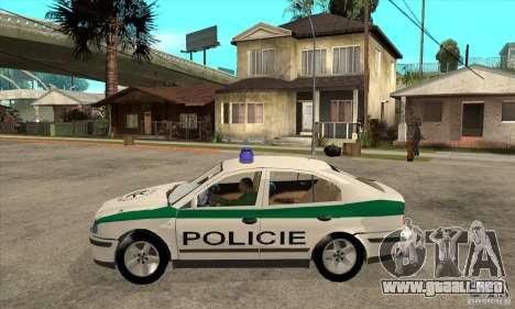 Skoda Octavia Police CZ para GTA San Andreas left