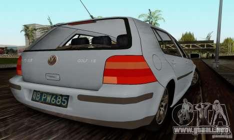 Volkswagen Golf 4 1.6 para GTA San Andreas vista posterior izquierda