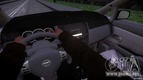 Nissan Versa para GTA 4 vista hacia atrás