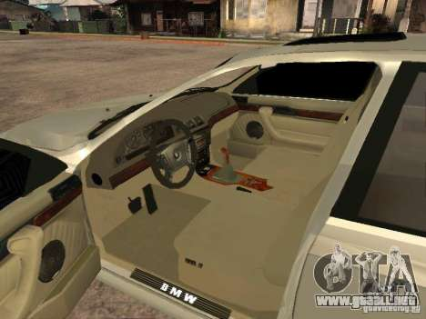 BMW 540i para GTA San Andreas vista posterior izquierda