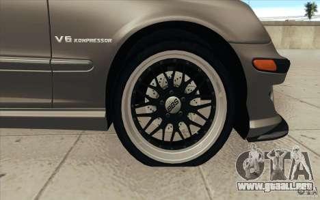 Mercedes-Benz C32 AMG Tuning para GTA San Andreas interior