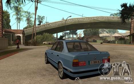 BMW E34 535i 1994 para GTA San Andreas vista posterior izquierda