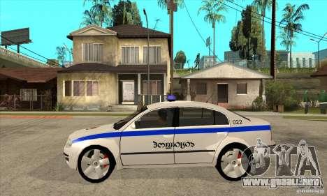 Skoda SuperB GEO Police para GTA San Andreas left