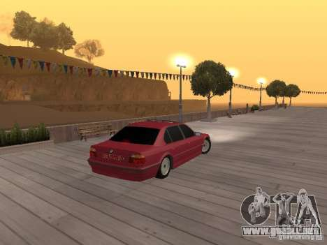 BMW 750iL e38 diplomático para GTA San Andreas vista hacia atrás