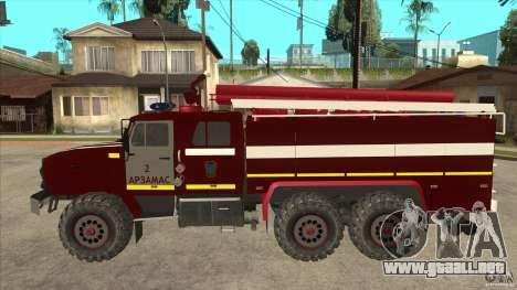 Ural 43206 bombero para GTA San Andreas left