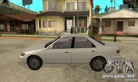 Toyota Camry 2.2 LE 1997 para GTA San Andreas left